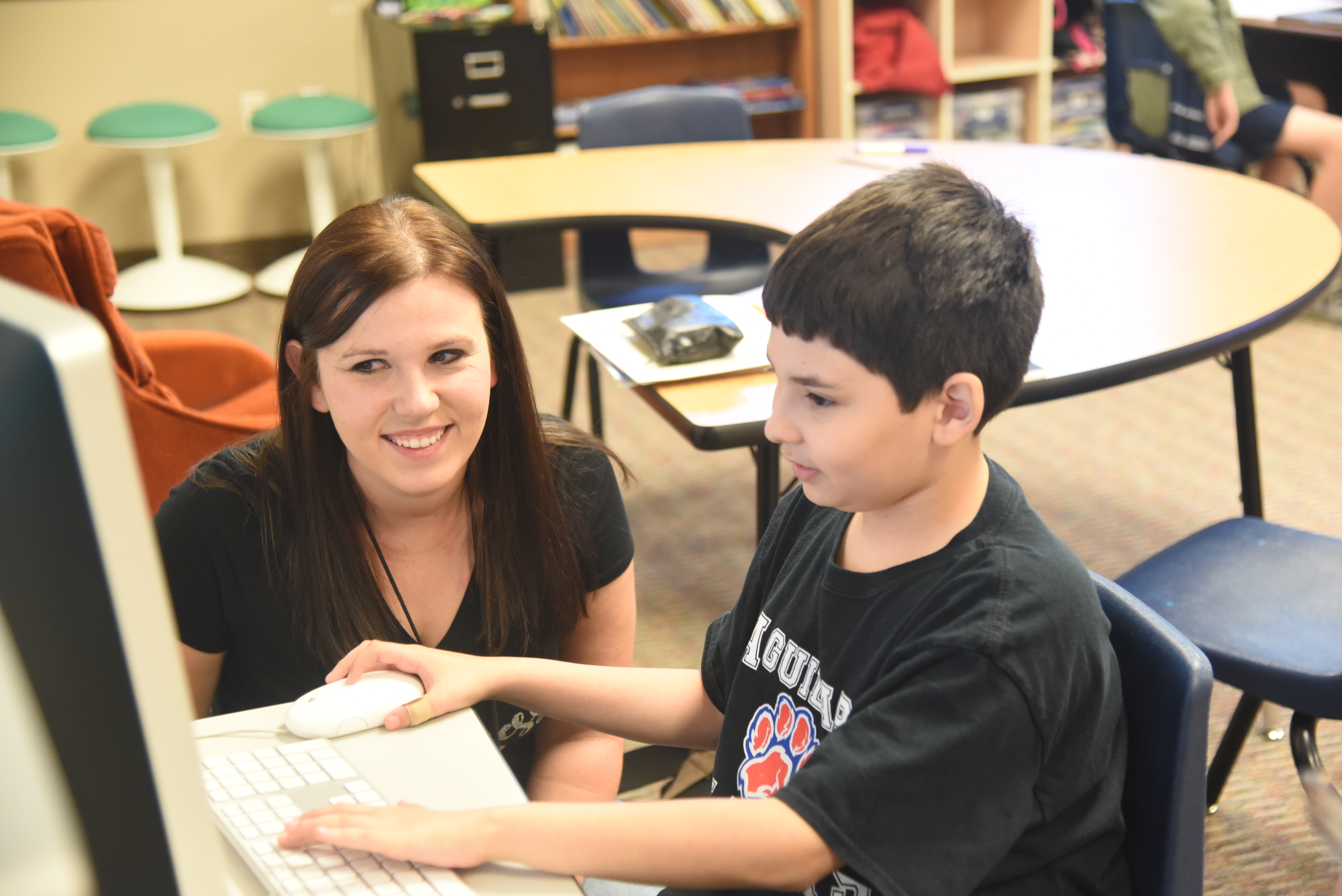 Long Time Tempe Instructional Assistant Receives Grant To Achieve