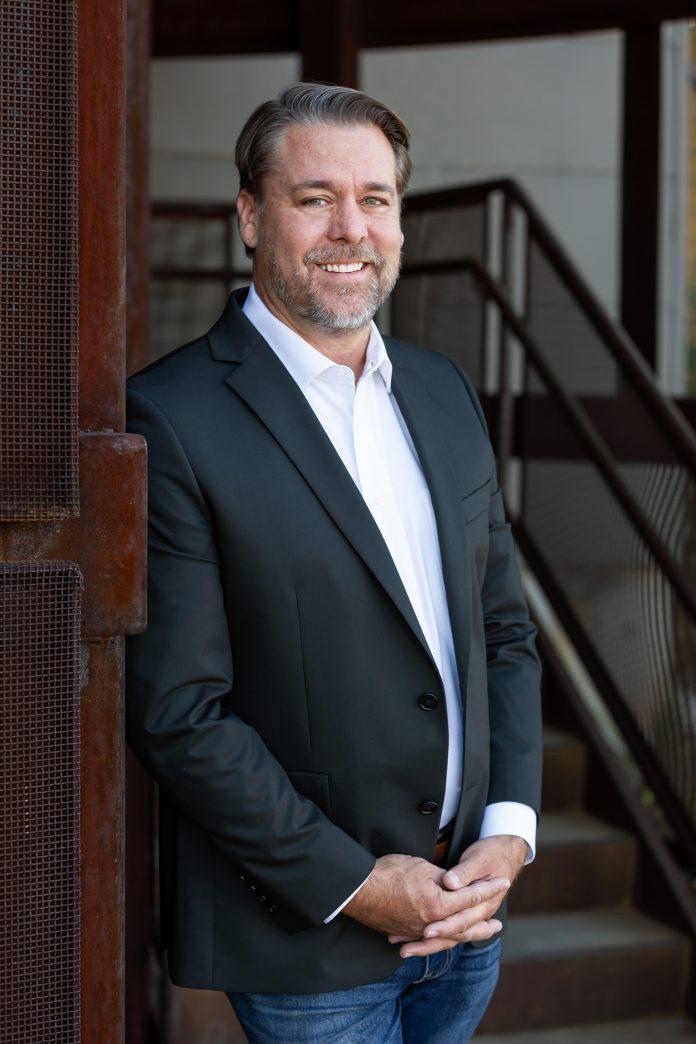 Keith Schreiber, Corcoran Platinum Living agent -43465d57