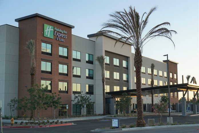 Holiday Inn Express & Suites Opens in Town of Gilbert