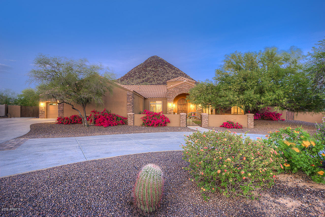 Majestic custom home with breathtaking panoramic views in for My custom home